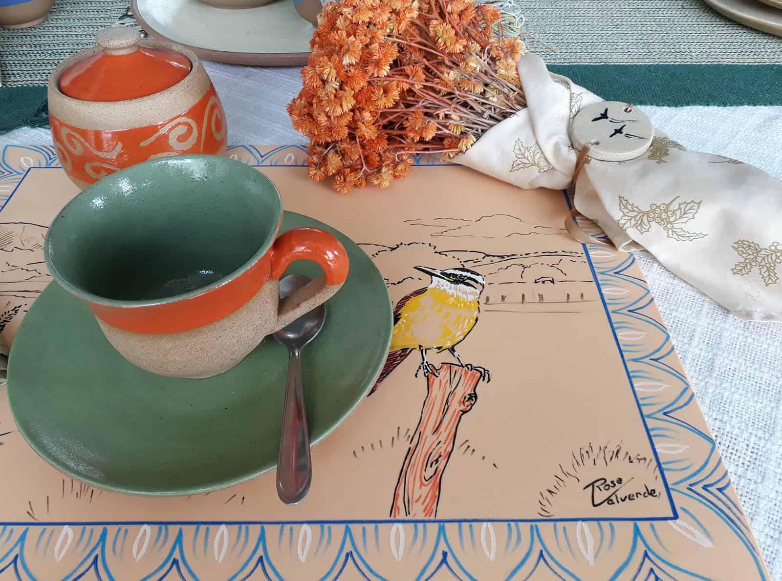 matinais-xicara e molheira-RM cerâmica artistica